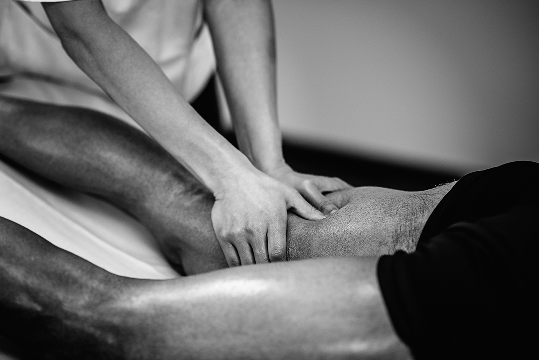 deep tissue massage hamstrings